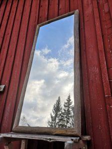 Iso heinäseiväskehyksinen peili. Kokoa tällä kaunokaisella 70 x 160 cm